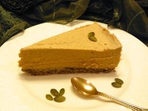 No Bake Pumpkin Pie - paleo, vegan, nut free - Amanda Naturally
