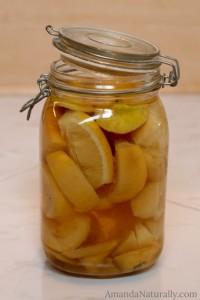 Lemon Vinegar Cleaning Solution | AmandaNaturally.com